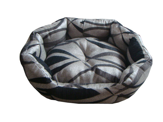 Classic clamshell dog bed