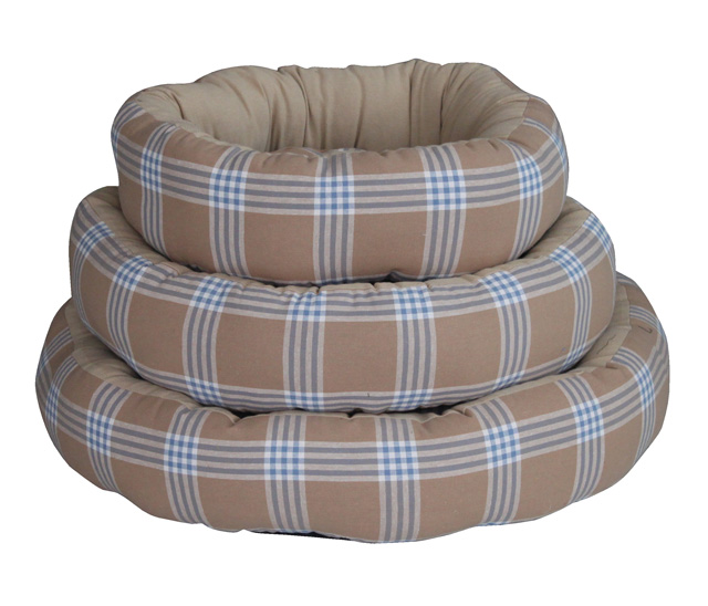 Blue plaid print donut bed for dogs