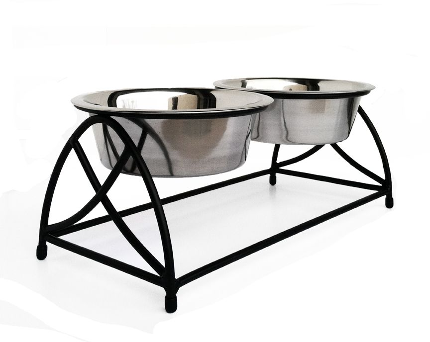 Angled view double bowl butterfly dog diner