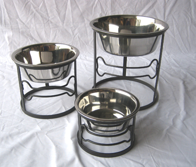 Small, medium and large raised circle bone dog diner