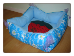Designer Reversible Tie Dog Bed w/Strawberry Image